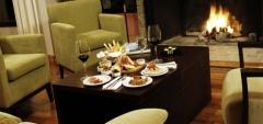 Xelena Suites Hotel - Food & drink
